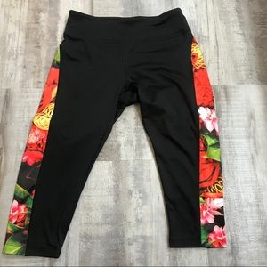 LuLaRoe Jade Cropped Leggings Black Floral Medium